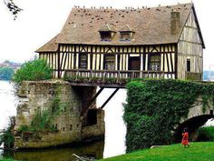 Vernon, Upper Normandy, France @Sarvi Solutions | Best SEO in Mumbai