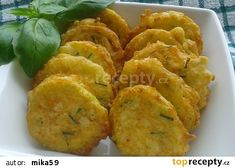 Cuketa v pikantním sýrovém těstíčku recept - TopRecepty.cz No Salt Recipes, Low Carb Recipes, Snack Recipes, Dinner Recipes, Cooking Recipes, Healthy Recipes, Snacks, Good Food, Yummy Food
