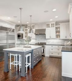 03 Awesome White Kitchen Cabinet Design Ideas