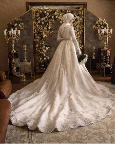 Hijabi Wedding, Wedding Hijab Styles, Muslimah Wedding Dress, Muslim Brides, Pakistani Wedding Dresses, Bridal Dresses, Wedding Gowns, Bridesmaid Dresses, Dress Muslimah