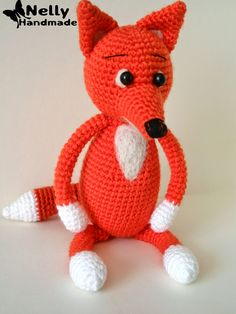 Fox Amigurumi - Free Russian Pattern here: http://nellyhandmade.blogspot.com.es/2014/08/blog-post_11.html  English Google Translation here: https://translate.google.com.co/translate?hl=es&sl=ru&tl=en&u=http%3A%2F%2Fnellyhandmade.blogspot.com.es%2F2014%2F08%2Fblog-post_11.html