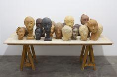 Comment Vanessa Beecroft représente t-elle le corps à travers ses sculptures ? | Vogue