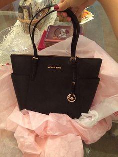 84ced93b5e95 Black Michael Kors bag Mk Handbags
