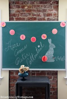 How cute is this bunny banner!  Takes just minutes to make too eclecticallyvintage.com