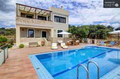 Luxurious villa with a gorgeous mountain view, Aptera   Cretico