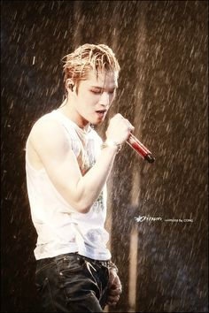 Delicious, gorgeous, perfect, wet Jaejoong - JYJ concert in Vietnam Aug 30, 2014