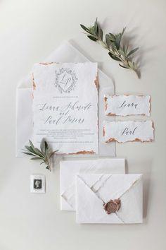Minimalistische Liebe in Grau & Gold ANGELIKA KRINKE http://www.hochzeitswahn.de/inspirationsideen/minimalistische-liebe-in-grau-gold/ #wedding #love #paper