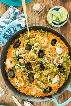 Easy Seafood Paella with fresh mussels, little neck clams and shrimp from @waitingonmartha