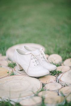 6ac822a585cec 20 White Wedding Shoes Brides Wish They Wore at Their Wedding