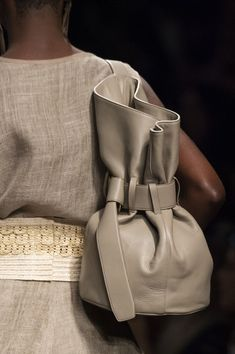 Anteprima at Milan Fashion Week Spring 2020 - Details Runway Photos Popular Handbags, Cute Handbags, Leather Purses, Leather Handbags, Luxury Purses, Boho Bags, Cheap Bags, Cheap Purses, Fashion Bags