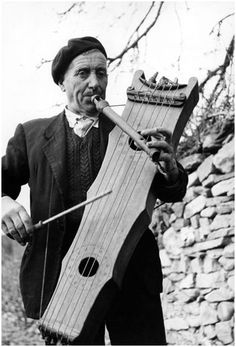 Psaltery and flute player, Yebra de Basa (province of Huesca), Aragon, Spain…