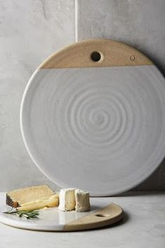 Most current Images Slab Pottery plates Strategies Cheese Board / Slab Pottery, Thrown Pottery, Ceramic Pottery, Pottery Art, Pottery Wheel, Farmhouse Pottery, Pottery Bowls, Ceramic Clay, Ceramic Plates
