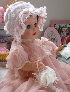 Pretty Vintage Doll#MADAME ALEXANDER 'CATHY' DOLL