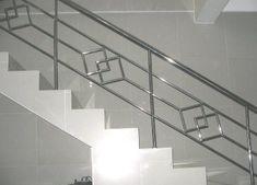 Steel Grill Design, Steel Railing Design, Staircase Railing Design, Modern Stair Railing, Home Stairs Design, House Gate Design, Hand Railing, Railings, Balcony Glass Design
