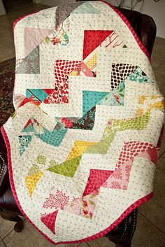 fivefonts:    (via Little Birdie Secrets: zig zag quilt tutorial part 4 {quilting and binding it})