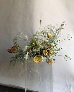 Christmas Arrangements, Silk Flower Arrangements, Silk Flowers, Dried Flowers, Modern Rustic, Earthy, Christmas Wreaths, Wedding Flowers, Floral Design