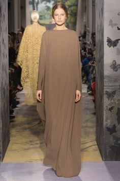 Valentino Haute Couture 2014 – Fashion Style Magazine - Page 15 Abaya Style, Hijab Style, Style Couture, Couture Fashion, Runway Fashion, Abaya Fashion, Modest Fashion, Mode Simple, Valentino Couture
