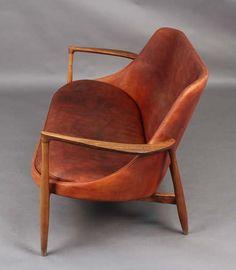 """Petit canapé """"Elizabeth"""" en cuir et palissandre de Ib Kofod-Larsen, v. 1950s Furniture, Mid Century Modern Furniture, Mid Century Modern Design, Cool Furniture, Furniture Design, Leather Furniture, Leather Sofas, Tan Leather, Love Chair"""