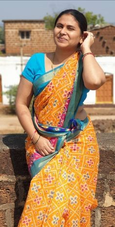 Beautiful Women Over 40, Beautiful Girl Photo, Beautiful Women Pictures, Beautiful Girl Indian, Most Beautiful Indian Actress, Beautiful Saree, Indian Natural Beauty, Indian Beauty Saree, Beauty Full Girl
