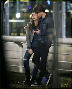 Chloe Moretz Kisses Co-Star Jamie Blackley for 'If I Stay': Photo Chloe Moretz leans in for a kiss with co-star Jamie Blackley while filming a scene for their film If I Stay on Monday (November in Vancouver, Canada. Stay With Me, If I Stay Movie, Love Movie, Cute Relationship Goals, Cute Relationships, Movie Couples, Cute Couples, Movies Showing, Movies And Tv Shows