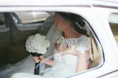 Elegant bride in vin