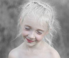 super white and nice skin with pink cheeks and lips, she is really cute #little #winter #princess
