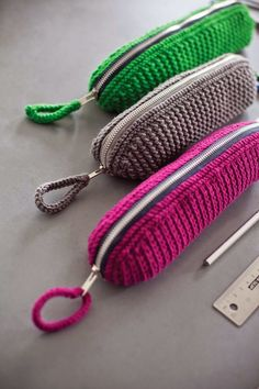 crochet zip pencil case tutorial