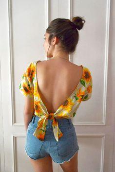 Para dar boas vindas ao verão: costure uma camisa fresquinha (e cheia de Girassóis!)… - https://sorihe.com/blusas02/2018/03/16/para-dar-boas-vindas-ao-verao-costure-uma-camisa-fresquinha-e-cheia-de-girassois/ #blouses #tops #whiteblouse #blousesforwomen #ladiesblouse #blackblouse #silkblouse #redblouse #blouseonline #chiffon #blouses #tops #white blouse #blousesforwomen #ladiesblouse #blackblouse #silkblouse #redblouse #blouseonline #chiffonblouse #whiteshirtwomens #sleevelessblouse…