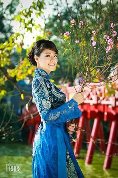 Asia Travel Advisor is a vietnam tour specialist, we offer private tour packages, specialize in customizing and tailor-making tours at affordable prices Vietnamese Clothing, Vietnamese Dress, Vietnamese Traditional Dress, Traditional Dresses, Ao Dai, Hmong Wedding, Asian Doll, Woman Silhouette, Portraits