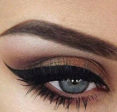Beautiful thick winged liner.