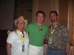 booby filet......   Met Bobby Flay at Food and Wine/Aspen and gave him some of my stickers....check out his right hand.  Pic isnt of me....I took the pic for the couple...  and the event was sponsored by Haagen Daz.... muhahahaha