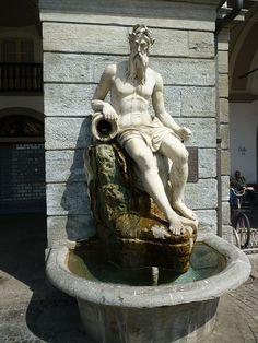 Aosta - La fontana de lButhier in piazza Émile Chanoux