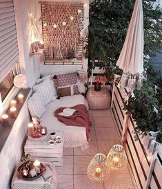 Bohemian Chic Decor, Bohemian Bedroom Decor, Diy Bedroom Decor, Living Room Decor, Home Decor, Bedroom Romantic, Modern Bohemian Bedrooms, Bohemian Garden Ideas, Modern Chic Decor