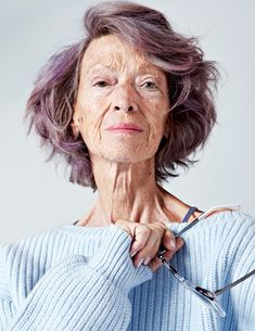 I'm not one for experimenting with/wearing much make-up but I do like these photos of 72-year-old Loulou Van Damme. 'You're never too old to try daring beauty trends' is a feature for ELLE India. Born in India of Belgium parentage, designer/stylist Van Damme spent time in London and Brussels before moving back to India forRead more