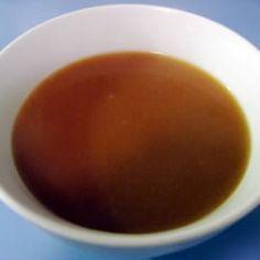 Brown Gravy made from Marmite or Bovril (yeast extracts) Homemade Brown Gravy, Brown Gravy Recipe, Vegetarian Gravy Recipe, Vegan Gravy, Vegetarian Recipes, Red Wine Gravy, Vegan Sauces, Vegan Foods, Turkey Gravy