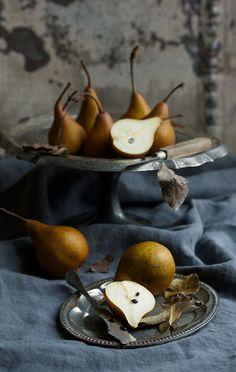 1 Margaretandjoy-Pears Metal Stand Knife Ingred Fall Leaves