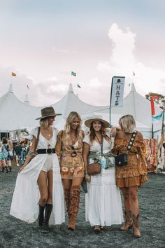 Outfit boho Festival style fashion - Don't you wish it could be summer all year round? Festival style fashion - Don& you wish it could be summer all year round? Festival Stil, Look Festival, Festival Dress, Diy Festival, Mode Hippie, Hippie Chic, Hippie Style, Boho Chic, Boho Style