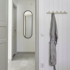 Bathroom Spa, Interior Design, House Interior, Beautiful Interiors, Interior Inspiration, Beautiful Houses Interior, Tile Bathroom, Interior And Exterior, Beautiful Interior Design