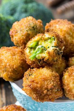 Broccoli Cheese Balls are crispy on the outside with 3 kinds of gooey melted cheese and fresh broccoli on the inside. Make a great appetizer! Broccoli Cheese Balls - Fried Broccoli Cheese Balls >> For LC: sub crushed pork rinds and Carbquick Broccoli Bites, Fried Broccoli, Broccoli And Cheese, Broccoli Recipes, Vegetable Recipes, Vegetarian Recipes, Cooking Recipes, Healthy Recipes, Broccoli Balls Recipe