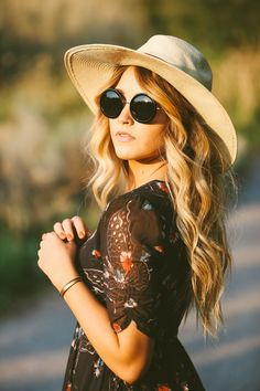 As most of you can probably already tell, one of my favorite looks to wear is boho. I feel like I'm in my element in these looks, and it'...