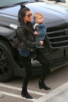 Kourtney Kardashian and Reign Disick goes out for lunch Kardashian Style, Kardashian Jenner, Kourtney Kardashian, Kylie Jenner, Reign Disick, Summer Outfits, Cute Outfits, Celebrity Kids, Rock Chic