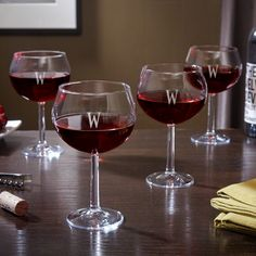 Personalized Red Wine Glasses (56 CAD) ❤ liked on Polyvore featuring home, kitchen & dining, drinkware, personalized wine glasses, wine glass, red wine glasses, engraved wine glass and red wine glass