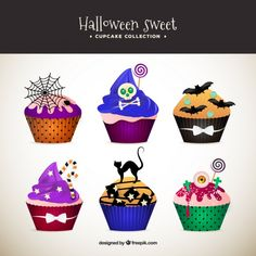 Colorful cupcakes in realistic style Free Vector