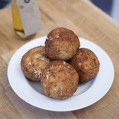 Quinoa Arancini (Stuffed Risotto Balls)