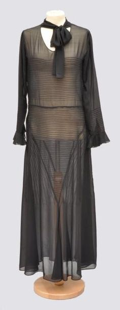 ~Evening gown in black crepe work ribs, MAGGY ROUFF 1930~