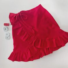 The pareo skirt Girly Outfits, Casual Outfits, Cute Outfits, Girls Fashion Clothes, Fashion Outfits, Skirts For Kids, Fashion Vocabulary, Skirt Fashion, Spring Outfits