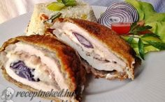 Mackósajttal, baconnal és lila hagymával töltött karajszeletek recept fotóval