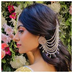 Add a little glam to your Indian wedding outfit by wearing these chic earrings. You can pair these trendy and classy earrings with any ethnic attire. OTT earrings will surely take your reception/haldi/mehndi/wedding outfit a notch higher. Indian Jewelry Earrings, Indian Jewelry Sets, Jewelry Design Earrings, Indian Wedding Jewelry, Ear Jewelry, Bridal Earrings, Designer Earrings, Gold Jewelry, Jewelry Box