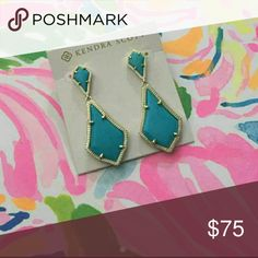 Kendra scott alexis Beautiful earings. New condition. To small for me would love to trade for a pair of alexandras in teal, iridescent or coral. Kendra Scott Jewelry Earrings