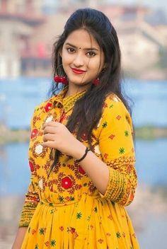 Beauty Full Girl, Cute Beauty, Beauty Women, Beautiful Girl Image, Beautiful Women, Beautiful Saree, Indian Face, Cute Girl Pic, Most Beautiful Indian Actress